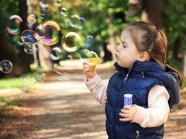 Poupança para os filhos: vale a pena? Saiba mais