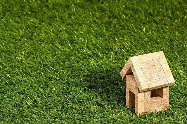 Os desafios de investir em imóveis no Brasil