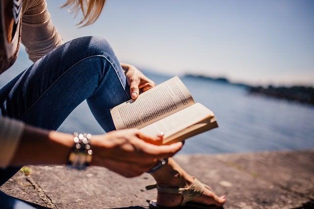 5 livros sobre investimentos indicados para quem quer cuidar melhor do dinheiro